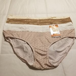 3 Pair of Warner's Blissful Benefits Lace Hipster